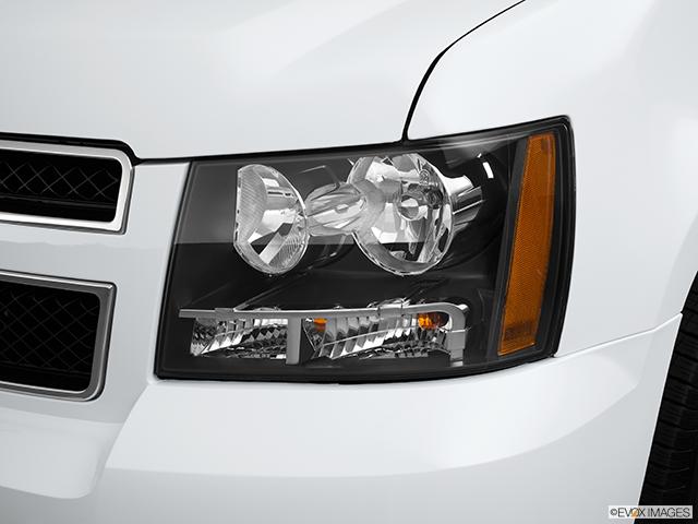 2012 Chevrolet Tahoe Drivers Side Headlight