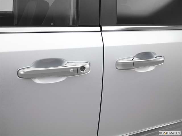 2012 Chrysler Town and Country Drivers Side Door handle