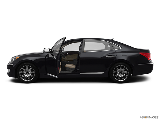 2012 Hyundai Equus Driver's side profile with drivers side door open