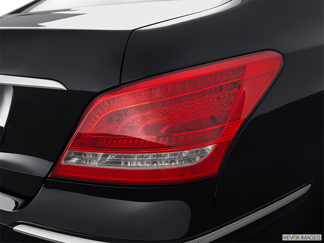2012 Hyundai Equus Passenger Side Taillight