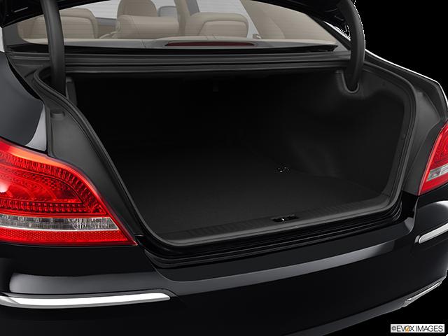 2012 Hyundai Equus Trunk open