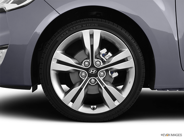 2012 Hyundai Veloster Front Drivers side wheel at profile