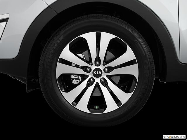 2012 Kia Sportage Front Drivers side wheel at profile
