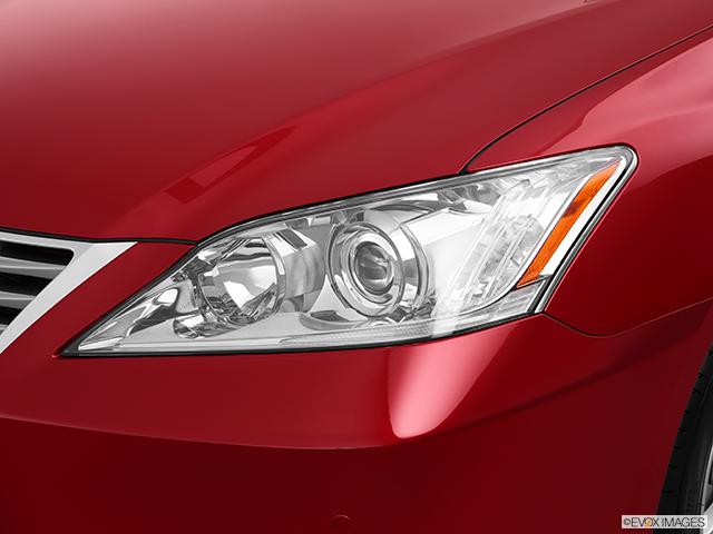 2012 Lexus ES 350 Drivers Side Headlight