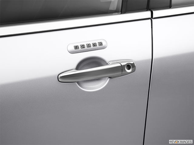 2012 Lincoln MKZ Drivers Side Door handle