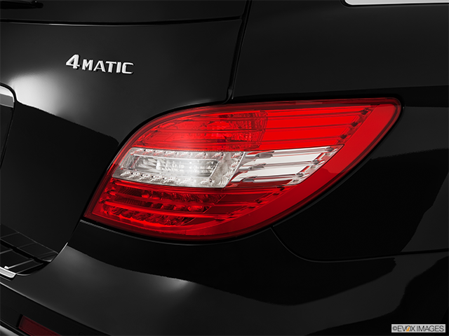 2012 Mercedes-Benz R-Class Passenger Side Taillight