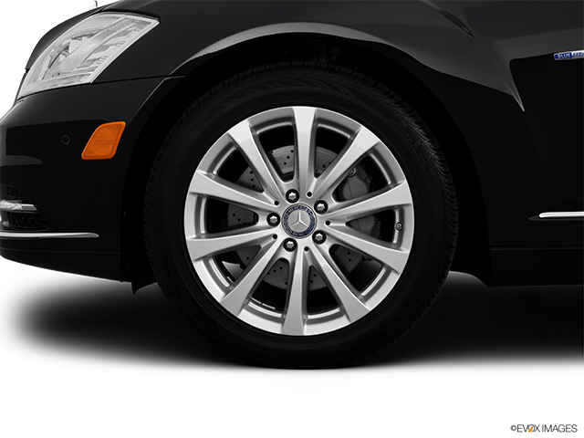 2012 Mercedes-Benz S-Class Front Drivers side wheel at profile
