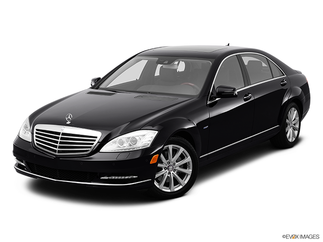 2012 Mercedes-Benz S-Class Front angle view