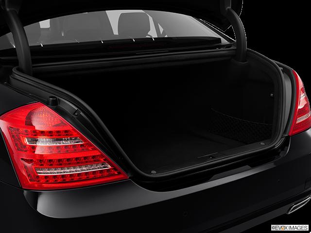 2012 Mercedes-Benz S-Class Trunk open