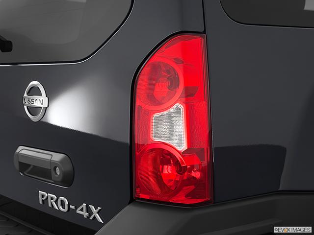 2012 Nissan Xterra Passenger Side Taillight