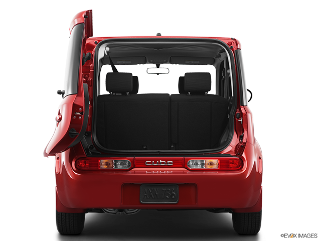 2012 Nissan cube Trunk open