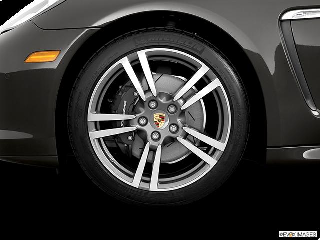 2012 Porsche Panamera Front Drivers side wheel at profile