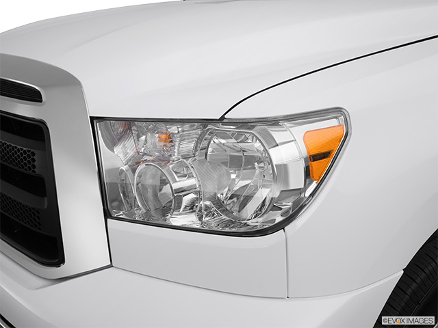 2012 Toyota Tundra Drivers Side Headlight