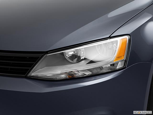 2012 Volkswagen Jetta Drivers Side Headlight