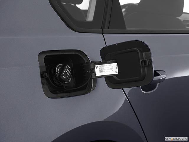 2012 Volkswagen Passat Gas cap open