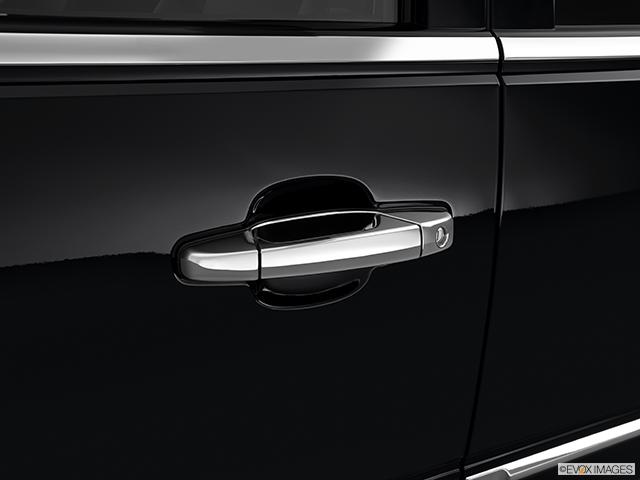 2013 Cadillac Escalade EXT Drivers Side Door handle