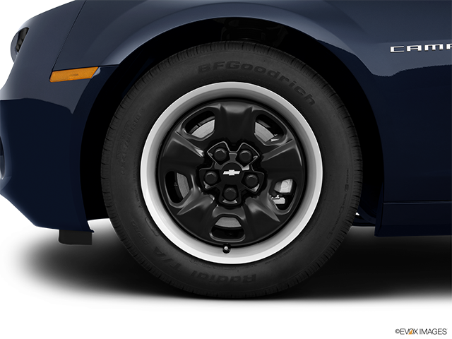 2013 Chevrolet Camaro Front Drivers side wheel at profile