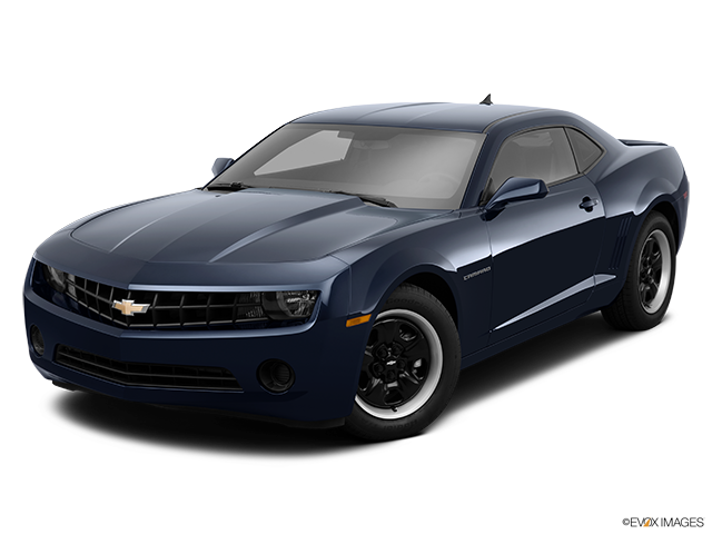 2013 Chevrolet Camaro Front angle view