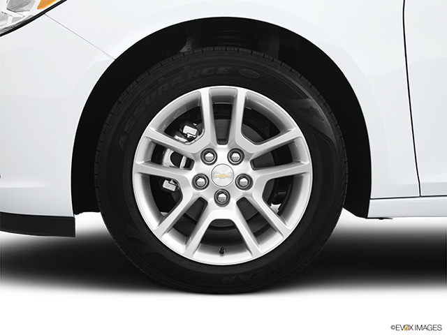 2013 Chevrolet Malibu Front Drivers side wheel at profile