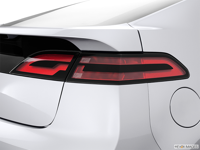 2013 Chevrolet Volt Passenger Side Taillight