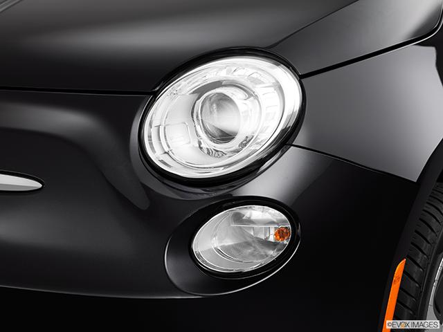 2013 FIAT 500e Drivers Side Headlight