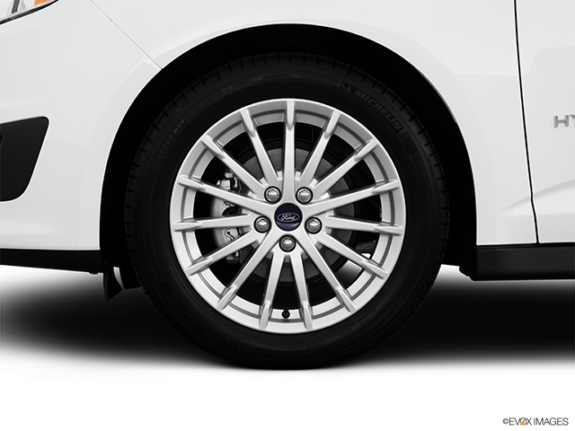 2013 Ford C-MAX Hybrid Front Drivers side wheel at profile