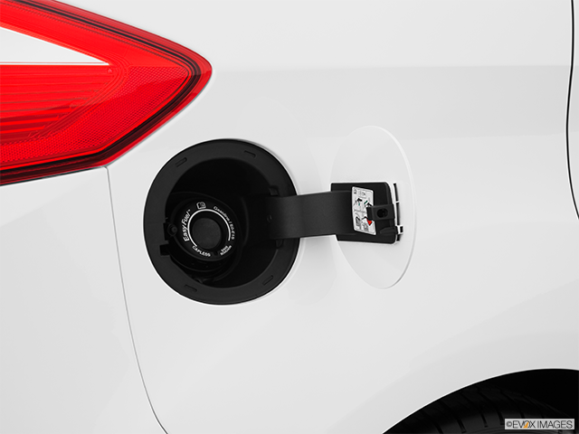 2013 Ford C-MAX Hybrid Gas cap open