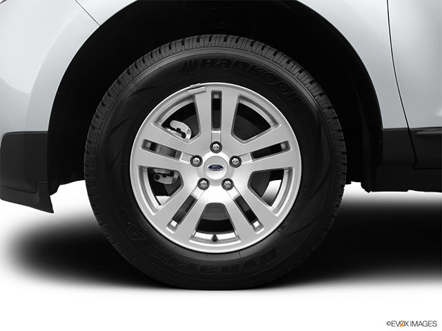 2013 Ford Edge Front Drivers side wheel at profile