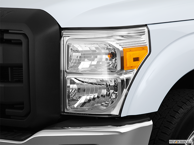 2013 Ford F-250 Super Duty Drivers Side Headlight