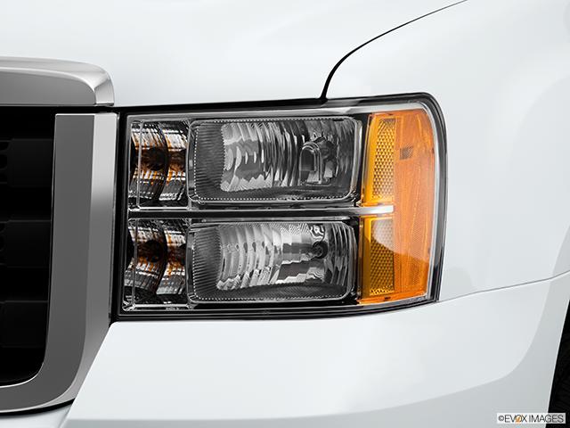2013 GMC Sierra 2500HD Drivers Side Headlight