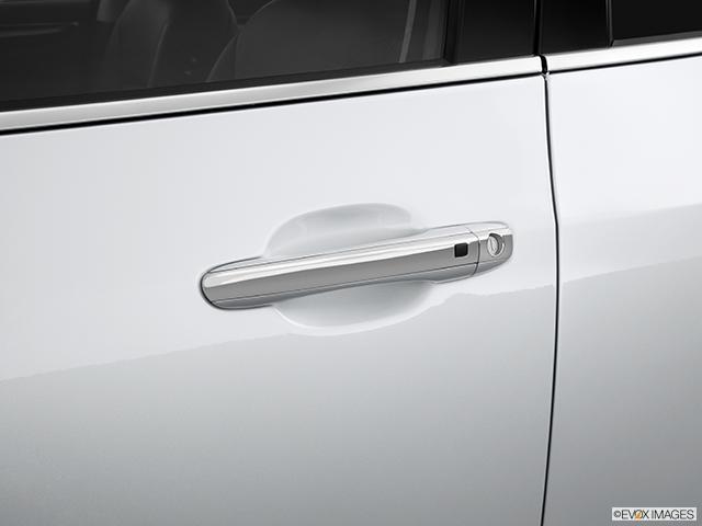 2013 Hyundai Equus Drivers Side Door handle