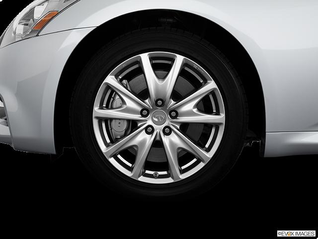2013 INFINITI G37 Sedan Front Drivers side wheel at profile