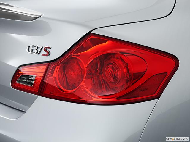 2013 INFINITI G37 Sedan Passenger Side Taillight