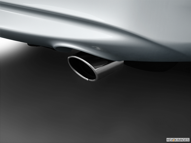 2013 INFINITI G37 Sedan Chrome tip exhaust pipe