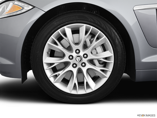 2013 Jaguar XF Front Drivers side wheel at profile