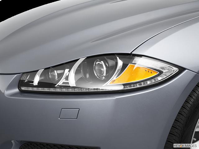 2013 Jaguar XF Drivers Side Headlight