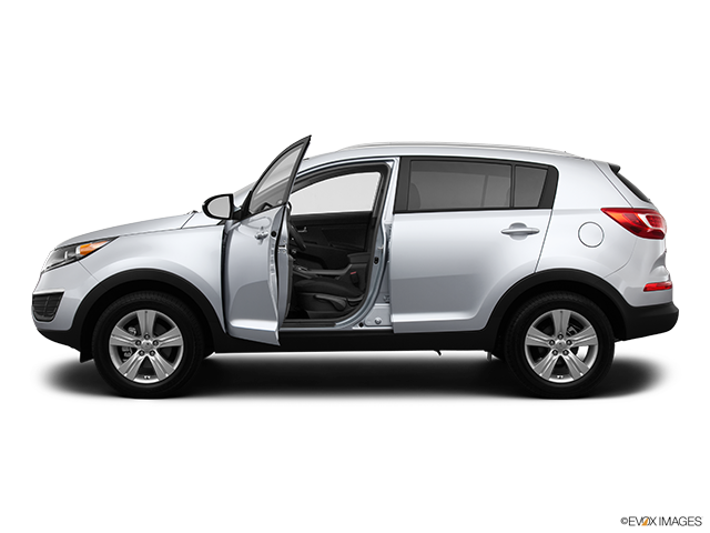 2013 Kia Sportage Driver's side profile with drivers side door open