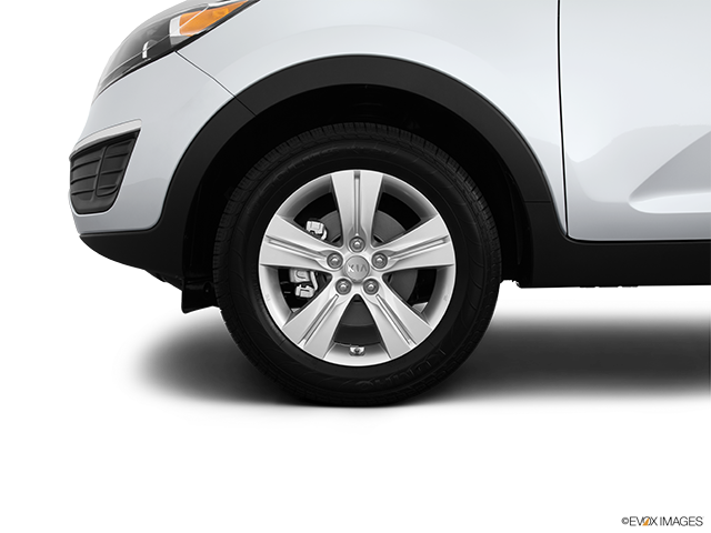 2013 Kia Sportage Front Drivers side wheel at profile