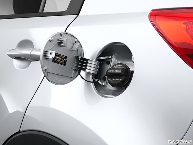 2013 Kia Sportage Gas cap open