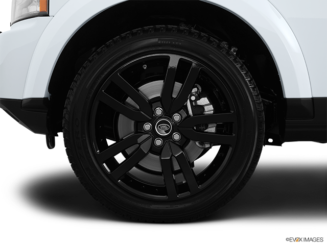2013 Land Rover LR4 Front Drivers side wheel at profile