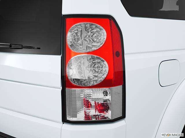 2013 Land Rover LR4 Passenger Side Taillight
