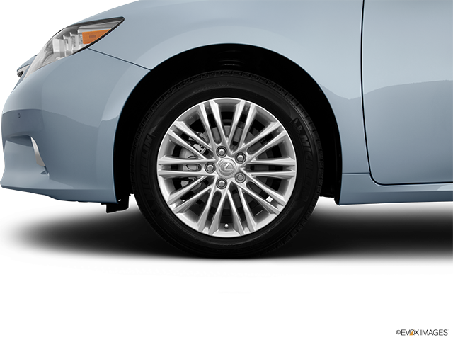 2013 Lexus ES 350 Front Drivers side wheel at profile