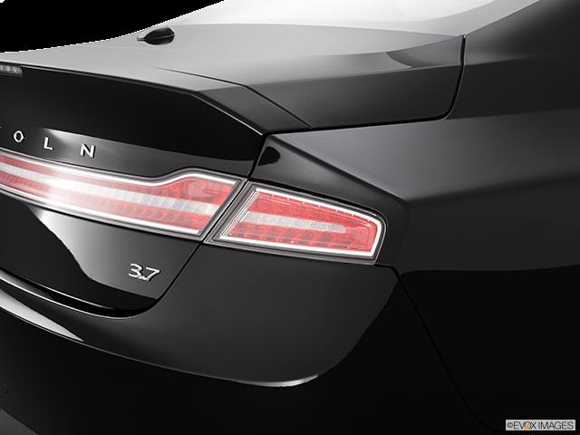 2013 Lincoln MKZ Passenger Side Taillight