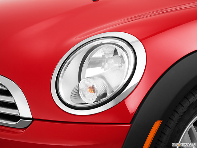 2013 MINI Roadster Drivers Side Headlight