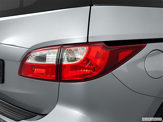 2013 Mazda Mazda5 Passenger Side Taillight