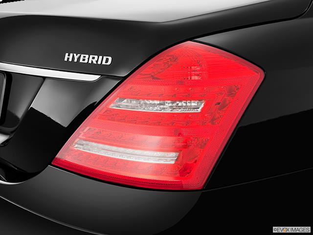 2013 Mercedes-Benz S-Class Passenger Side Taillight