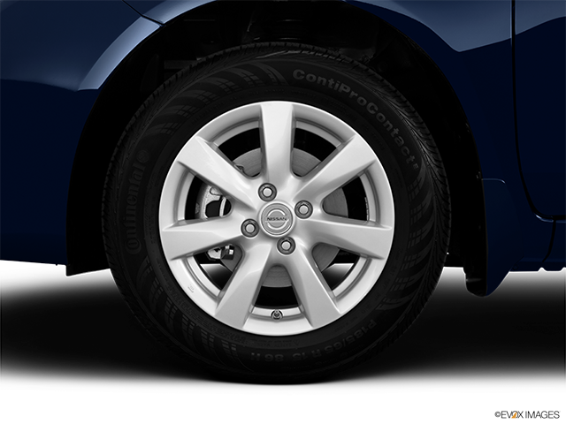 2013 Nissan Versa Front Drivers side wheel at profile