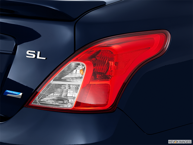 2013 Nissan Versa Passenger Side Taillight