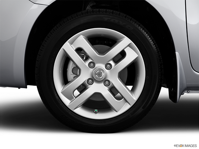 2013 Nissan cube Front Drivers side wheel at profile
