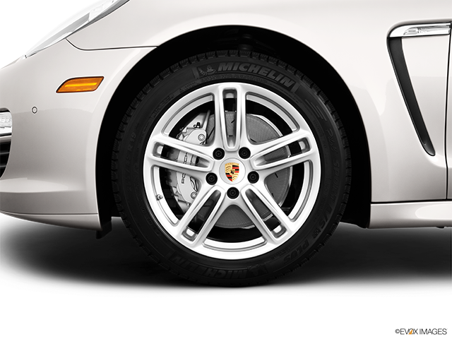2013 Porsche Panamera Front Drivers side wheel at profile